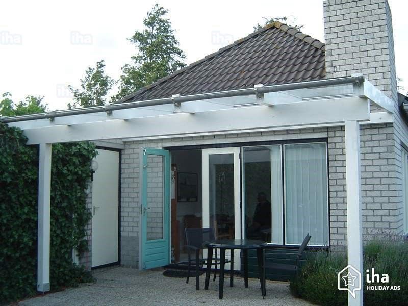 The Best Designs And Placements For Glass Canopies