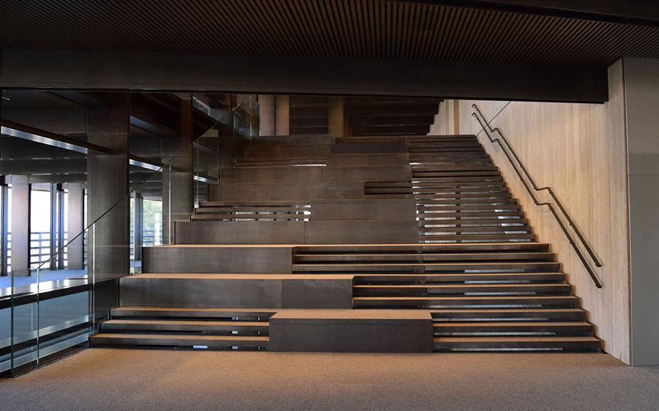 Frameless glass railings