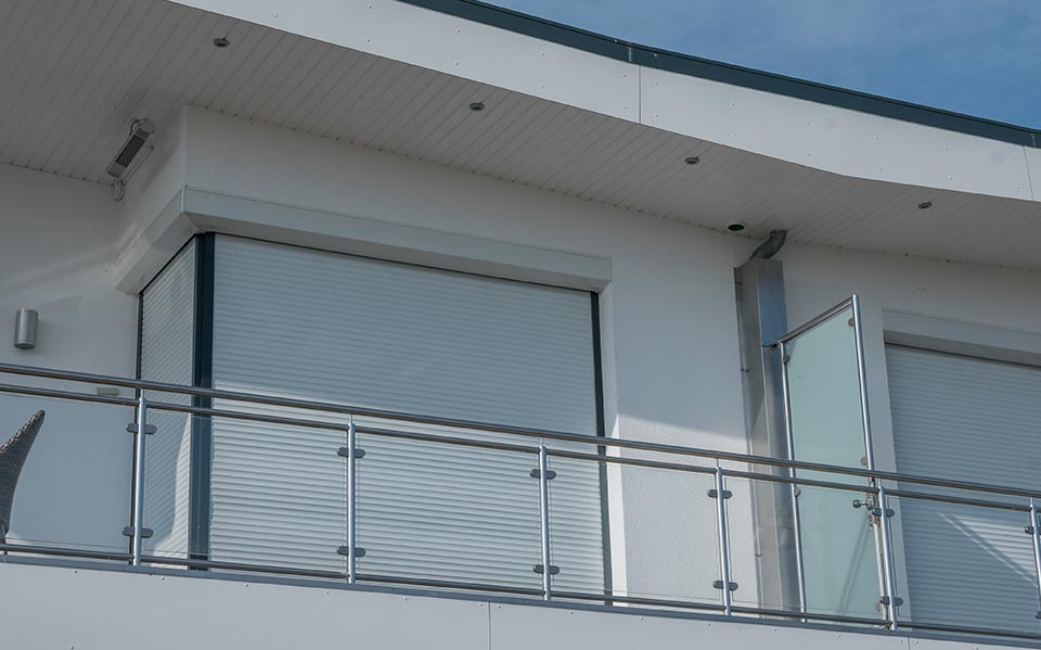Glass balustrade post system