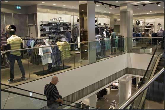 Frameless Balustrades at Shopping Centre